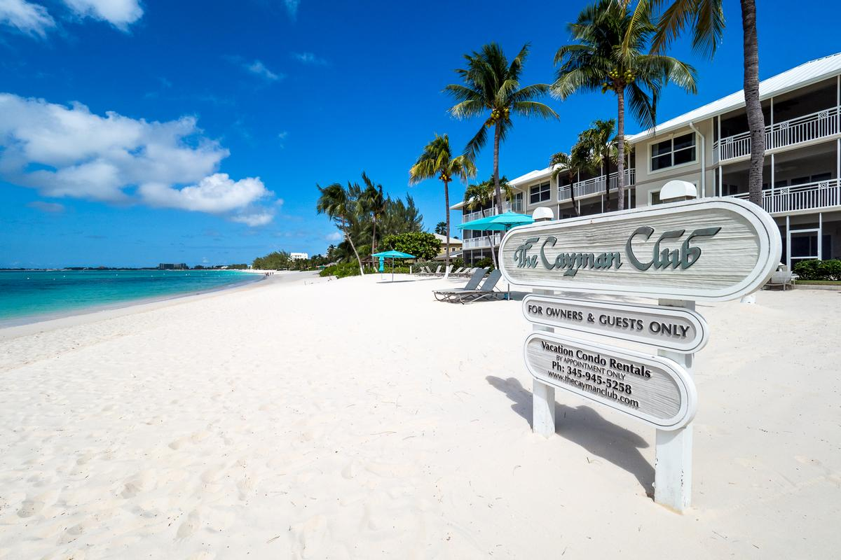 Luxury properties Cayman Club ocean view condo