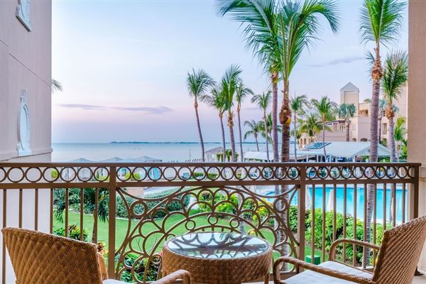 Luxury homes private residence at the South Tower Ritz-Carlton