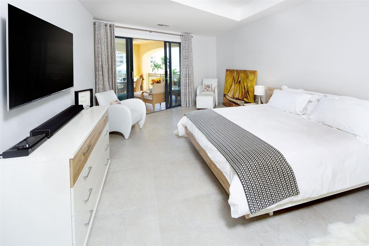 Luxury homes newly renovated European designed ritz-carlton residence