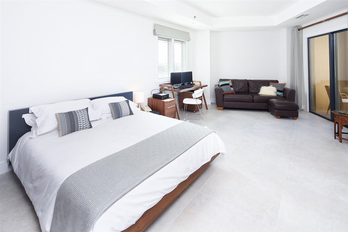 Luxury real estate newly renovated European designed ritz-carlton residence