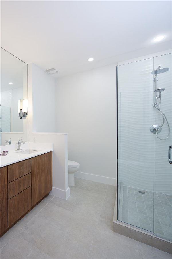Luxury properties newly renovated European designed ritz-carlton residence