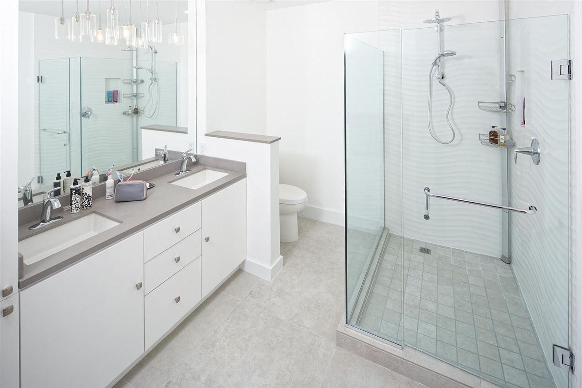 newly renovated European designed ritz-carlton residence luxury properties