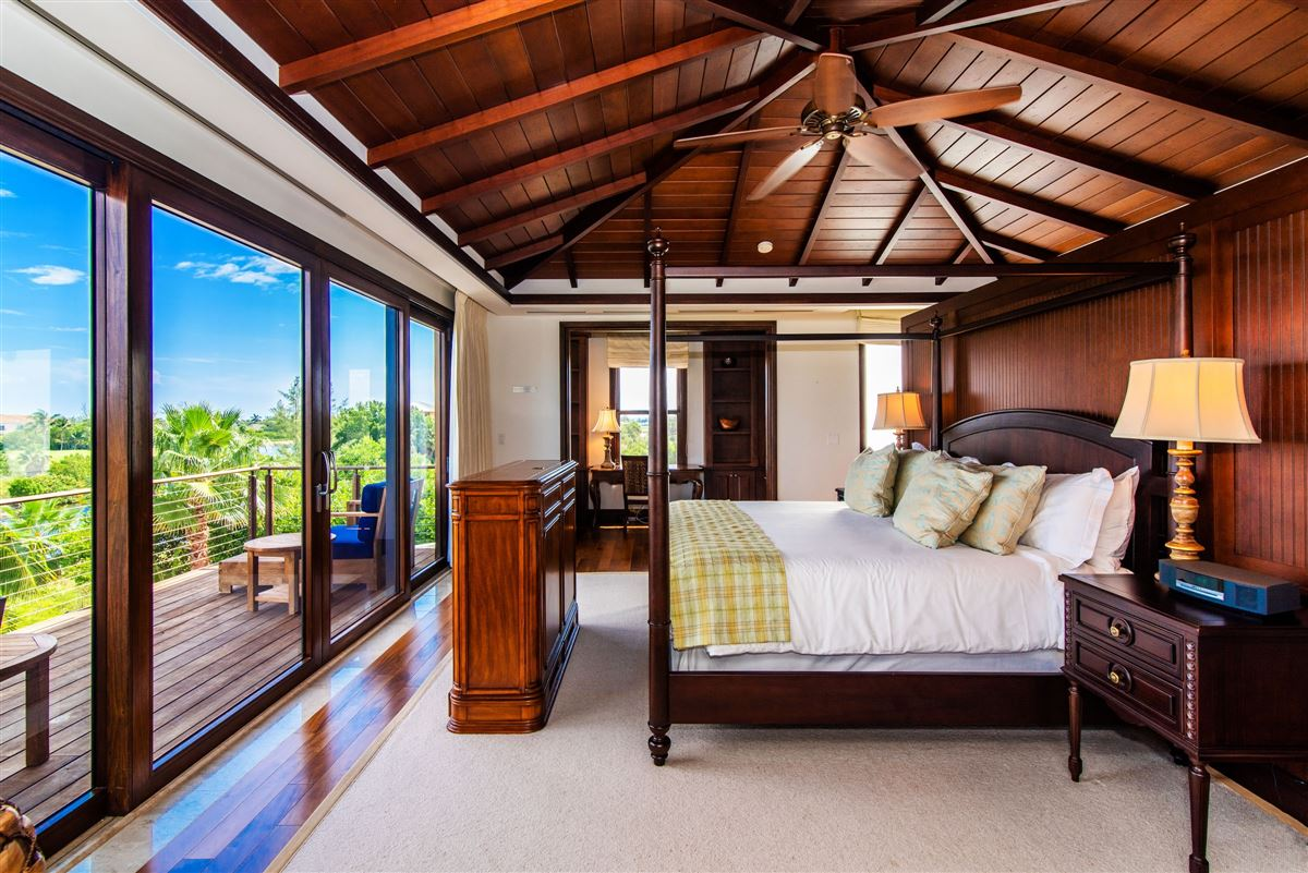 Luxury properties Spectacular Villa with sweeping views