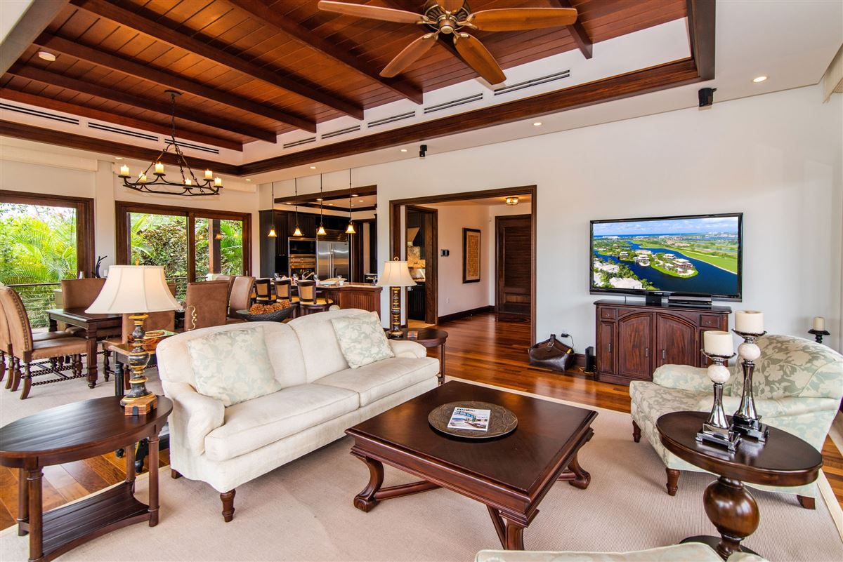 Luxury homes in Spectacular Villa with sweeping views