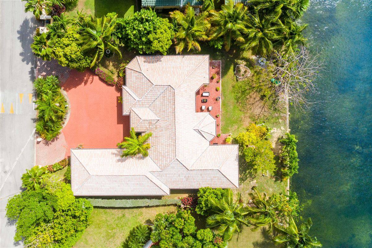 Mansions in beautiful gem in Patricks Island