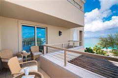 modern three bedroom Ritz-Carlton residence mansions