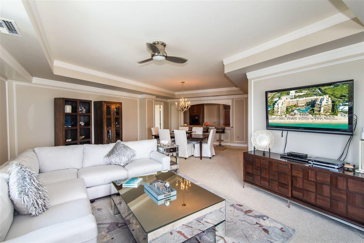 Mansions in modern three bedroom Ritz-Carlton residence
