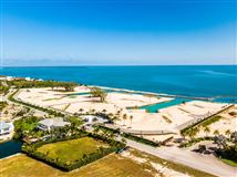 Luxury homes in exclusive oceanfront luxury estate lot community