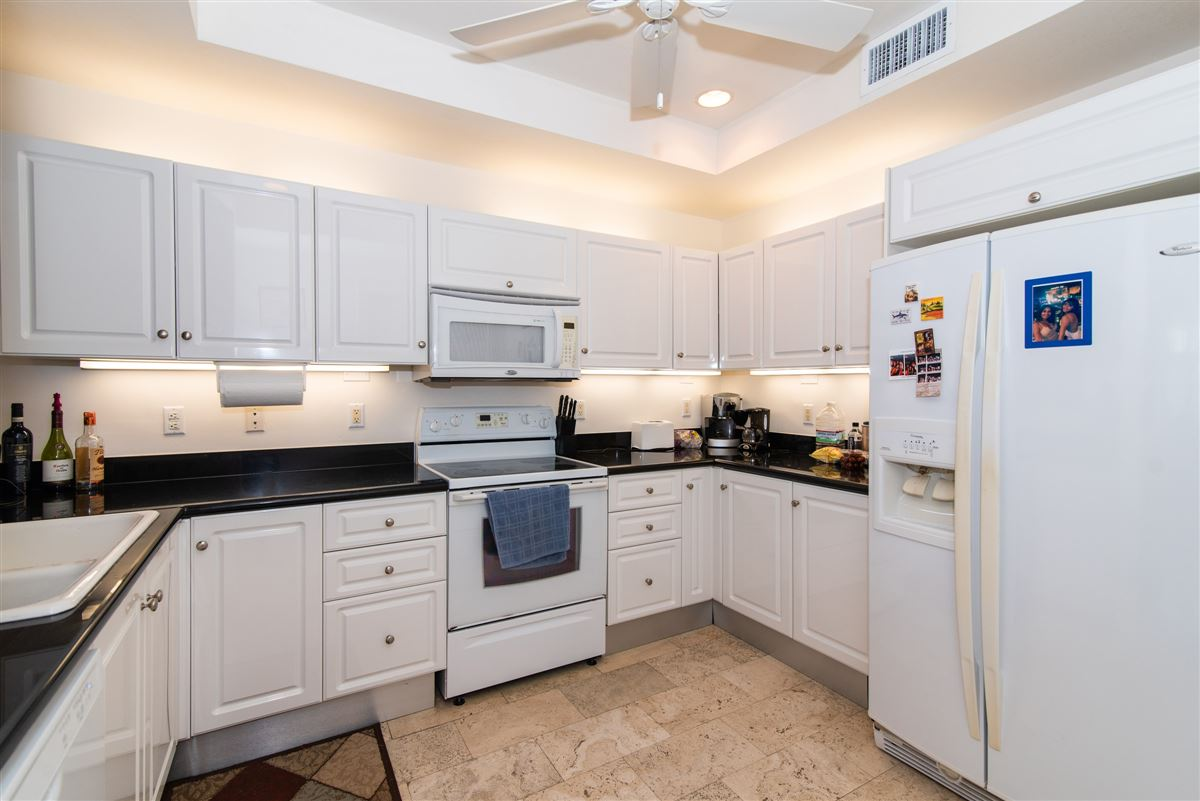 great two bedroom unit in Kings Court luxury real estate
