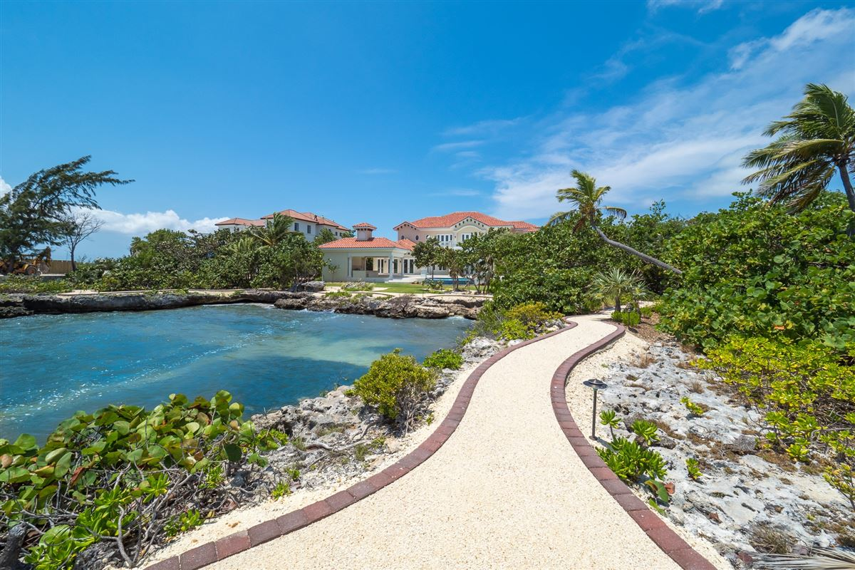 Mansions Vista del Mar Residence on its own cove
