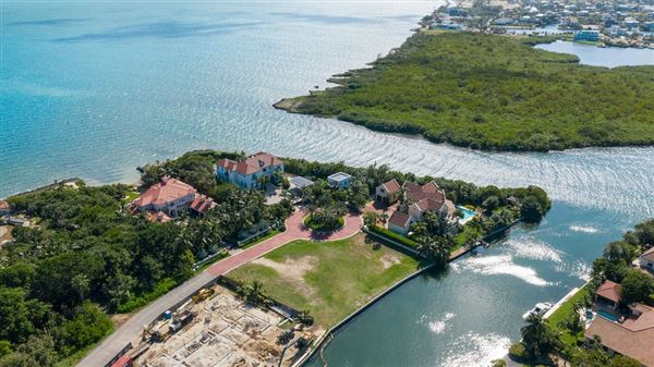 Vista del Mar Residence on its own cove luxury properties