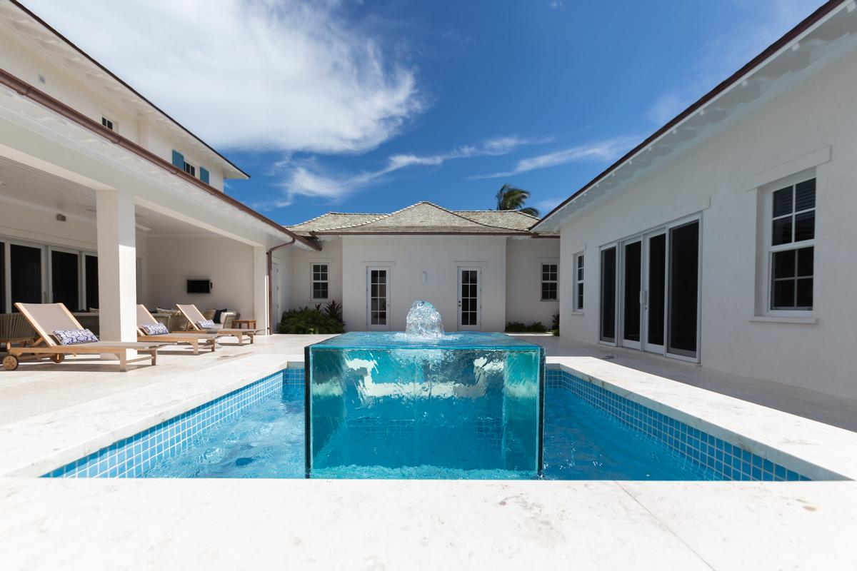 Luxury homes Club Villa at Albany
