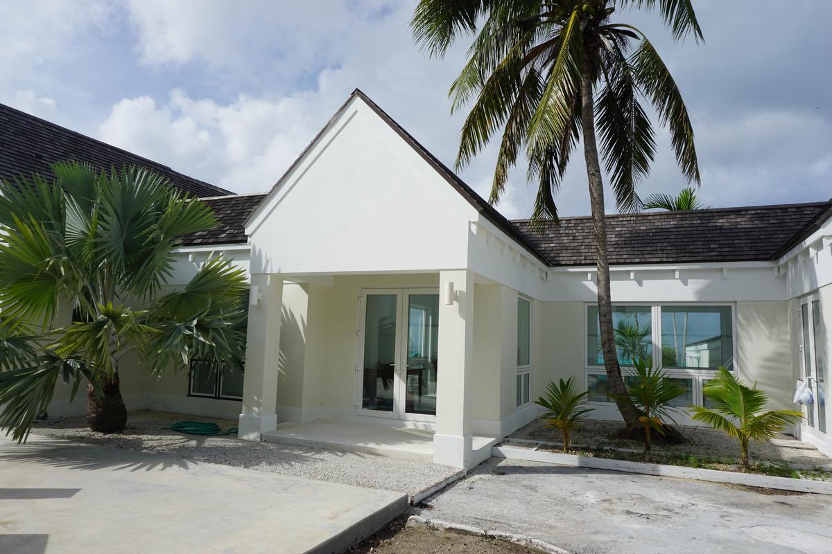 The Island House luxury homes