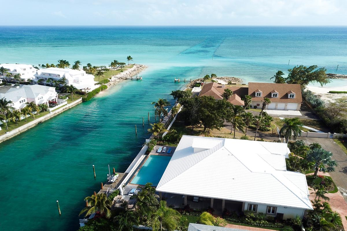 Exquisite Waterfront Home in NASSAU BAHAMAS luxury real estate