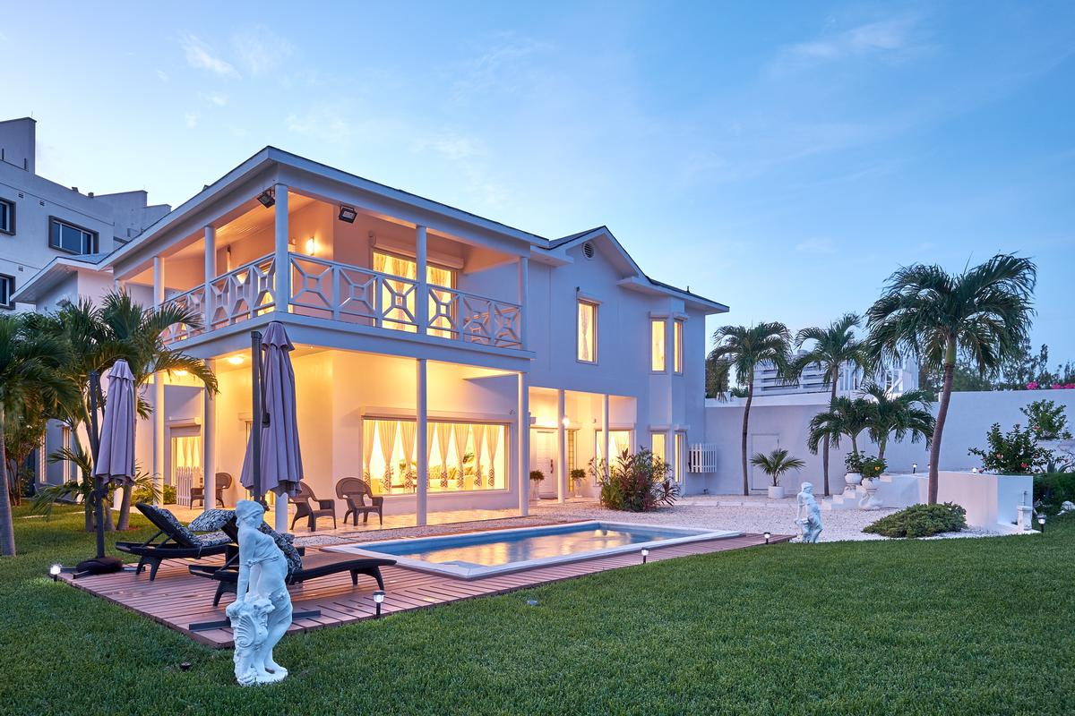 Luxury homes in Luxury in Nassau