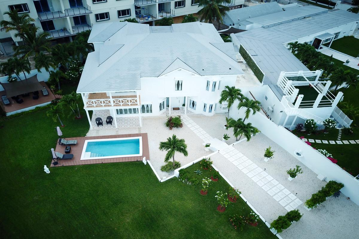 Luxury in Nassau luxury homes
