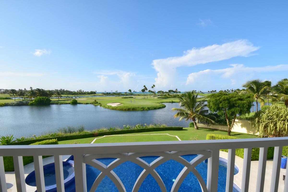 Luxury real estate Lake View
