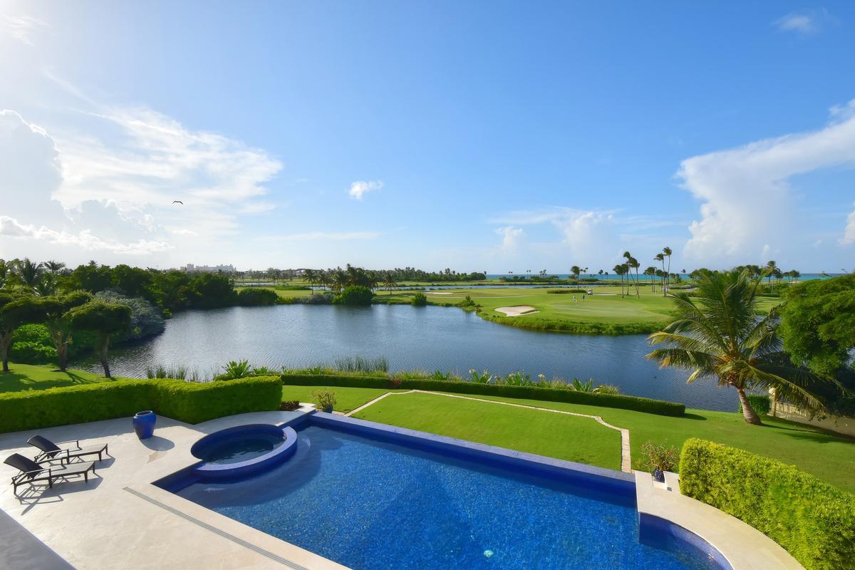Lake View  luxury real estate
