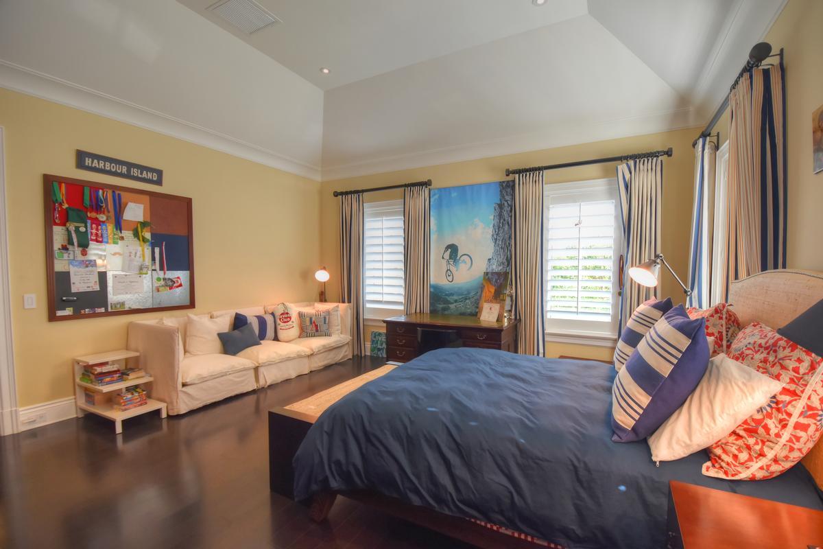Mansions Ocean Club Estates Retreat