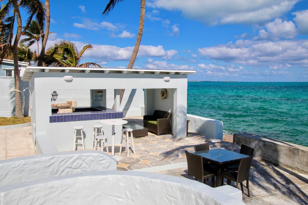 Luxury properties Waters Edge