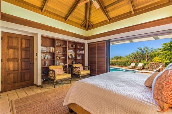 Luxury homes in stunning ocean views