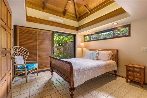 Luxury homes stunning ocean views