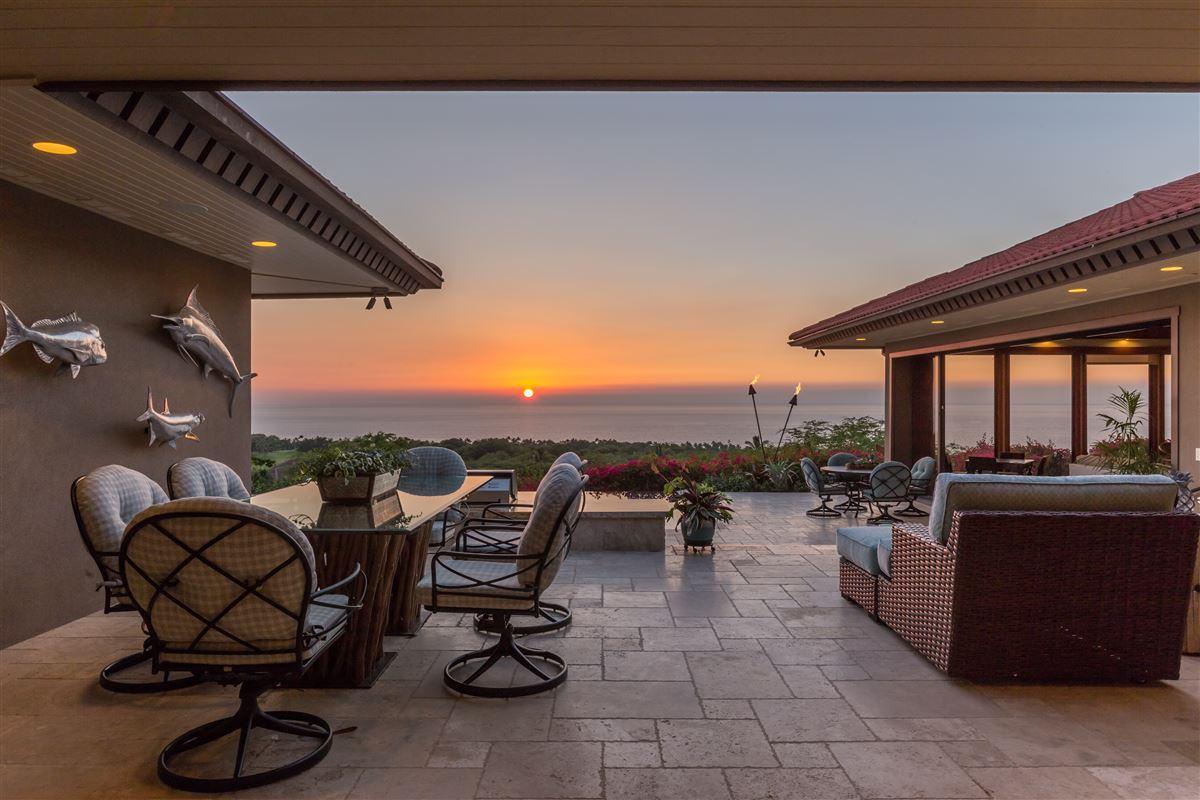 Luxury properties Totally renovated custom home in the Mauna Kea Resort