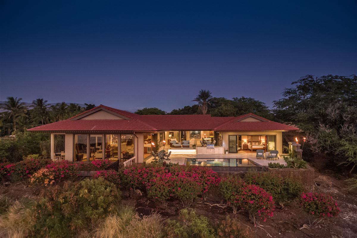 Luxury real estate Totally renovated custom home in the Mauna Kea Resort