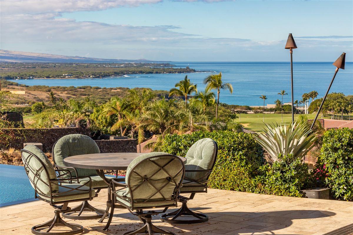 Totally renovated custom home in the Mauna Kea Resort luxury properties