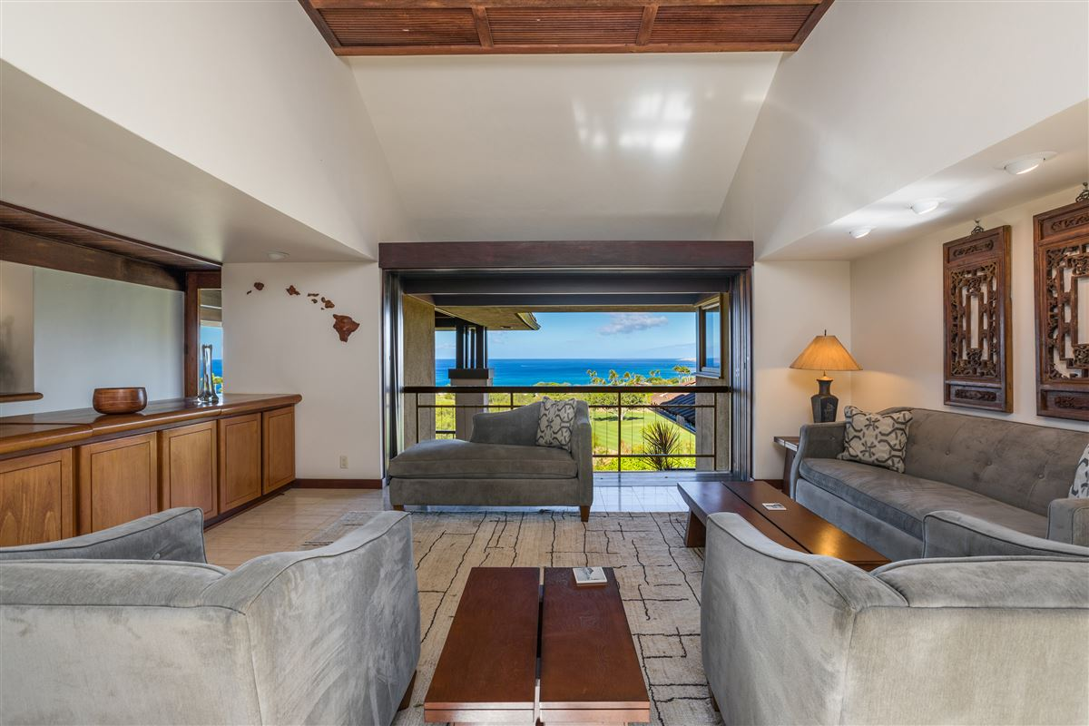 timeless classic in the Mauna Kea Fairways North luxury real estate