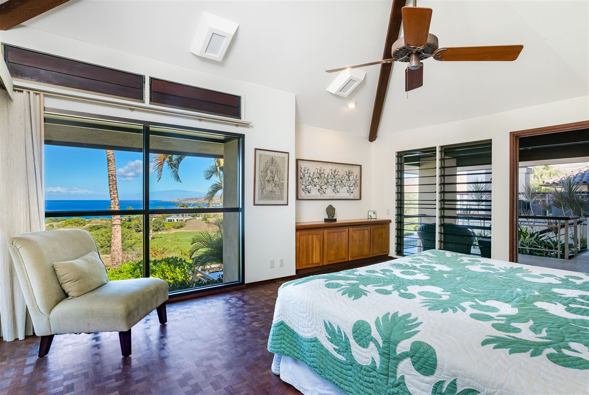 Luxury homes in timeless classic in the Mauna Kea Fairways North