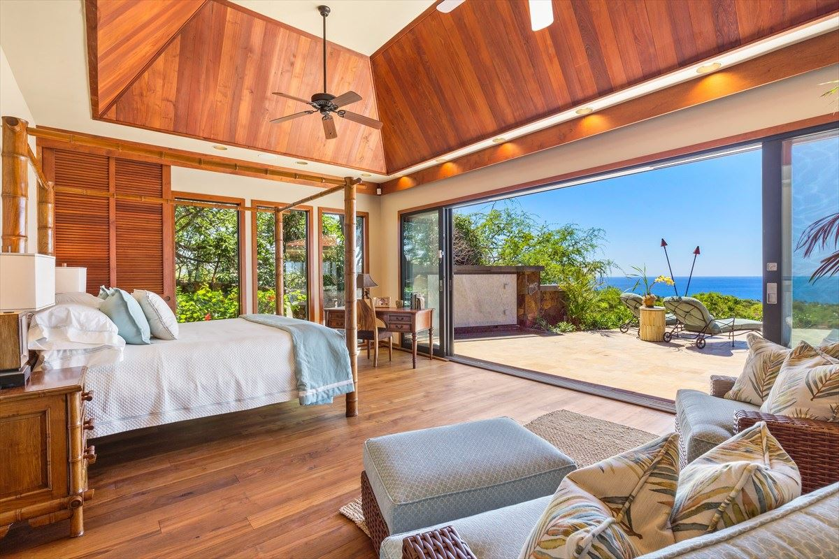 Luxury homes Totally renovated home in the Mauna Kea Resort
