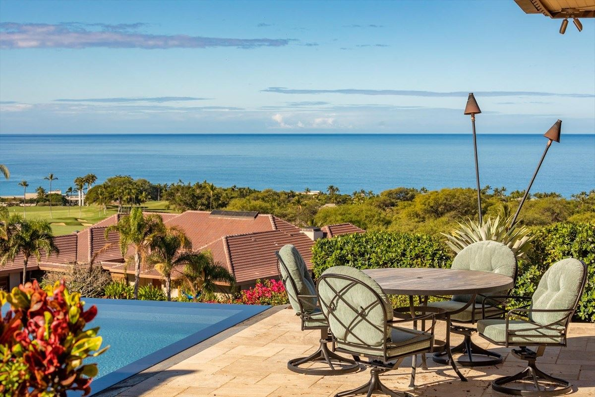 Luxury properties Totally renovated home in the Mauna Kea Resort
