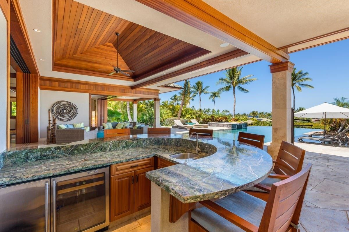 the natural beauty of Pauoa Beach luxury real estate