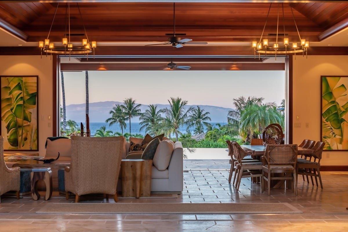 Luxury properties the natural beauty of Pauoa Beach