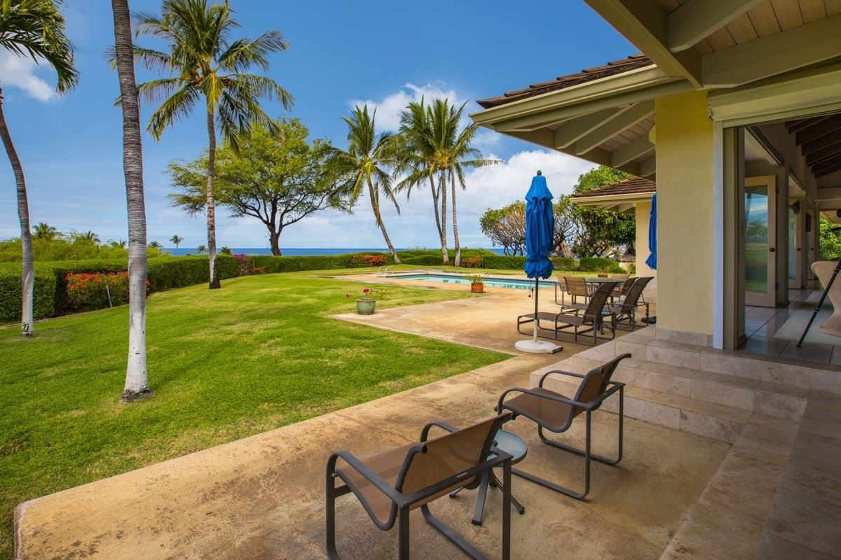 Mansions in unique and private setting in the Mauna Kea Resort