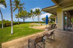 Luxury homes in unique and private setting in the Mauna Kea Resort
