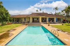 Luxury properties unique and private setting in the Mauna Kea Resort
