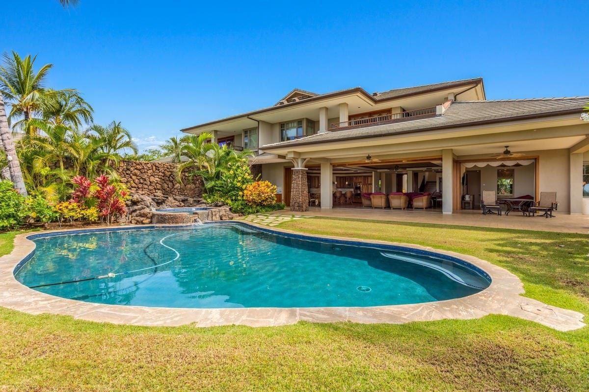 Luxury homes largest villa in kamuela