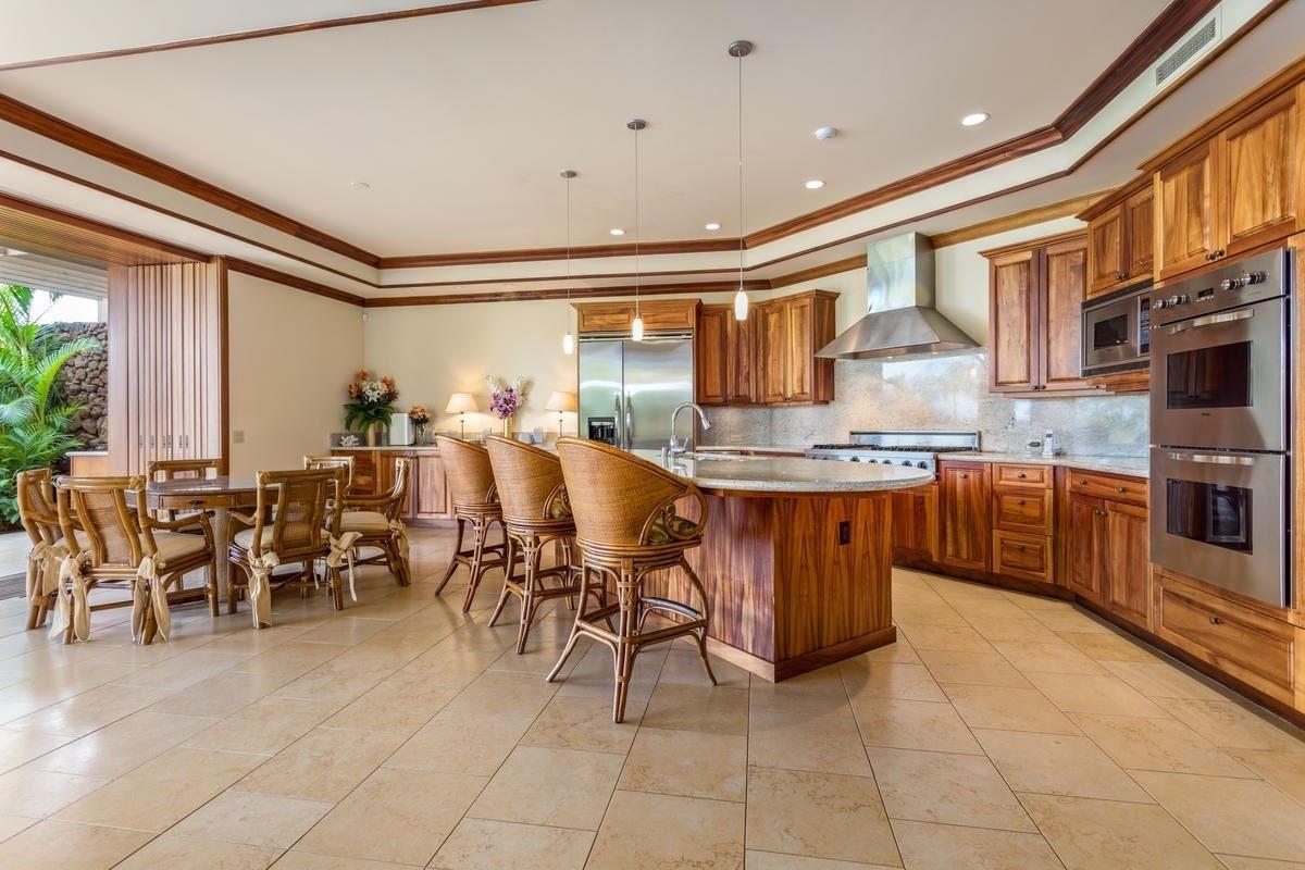 Luxury real estate largest villa in kamuela