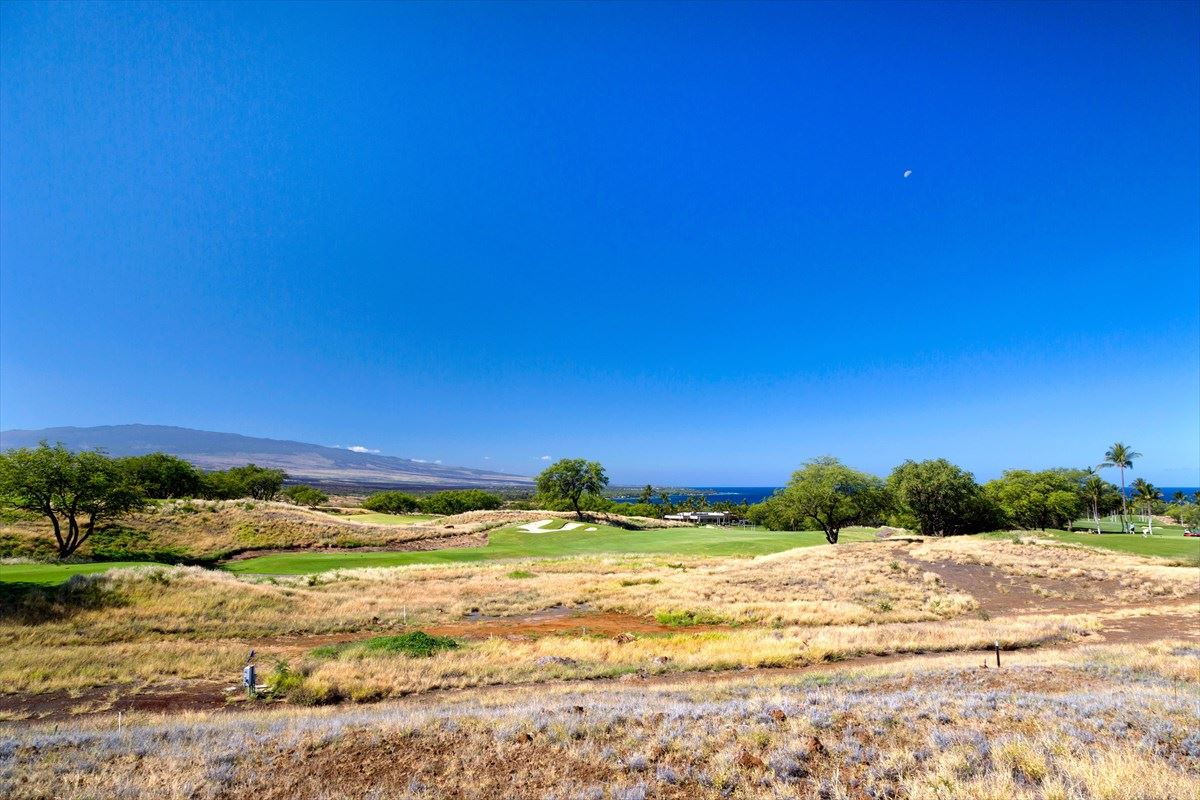 beautiful lot in The High Bluffs luxury homes