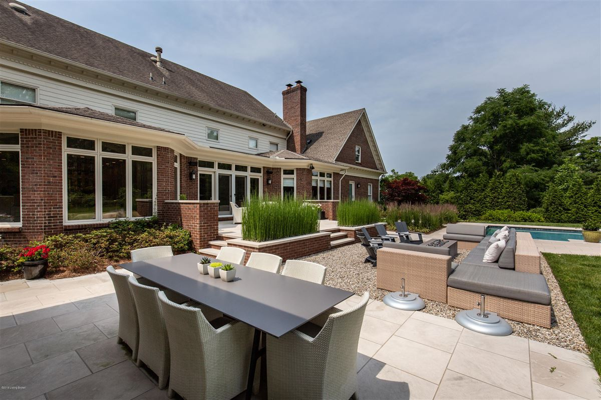 Luxury homes in extraordinary private and spacious updated home