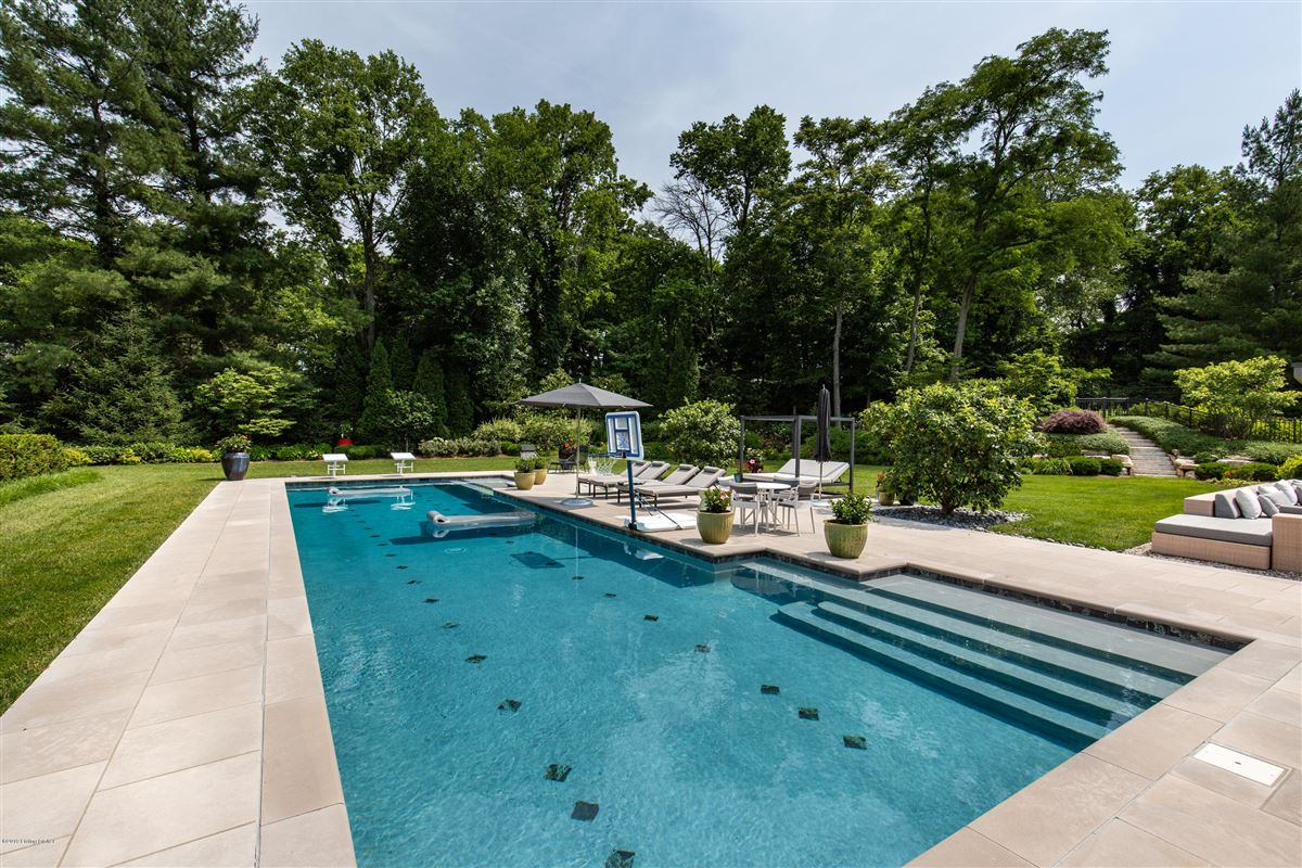 Mansions in extraordinary private and spacious updated home