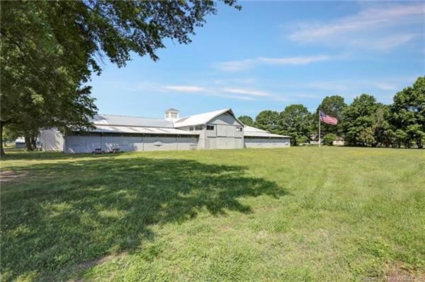 Boundless opportunities in this property on the james river luxury properties