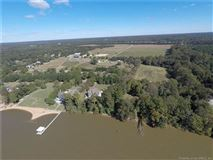 Luxury real estate Boundless opportunities in this property on the james river