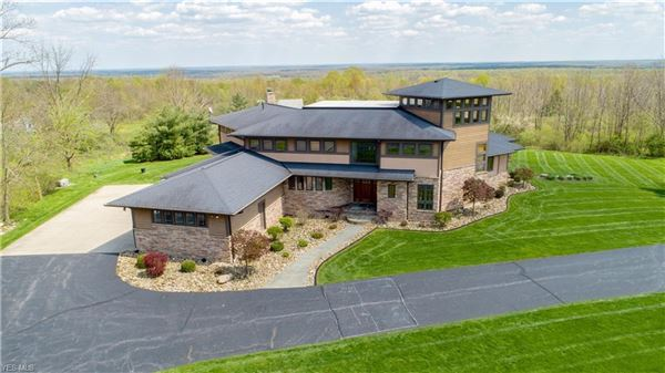 absolutely stunning, Amish-built home luxury properties