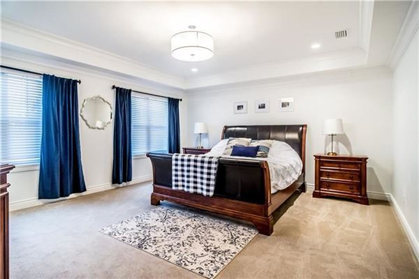 Gorgeous true custom home luxury properties