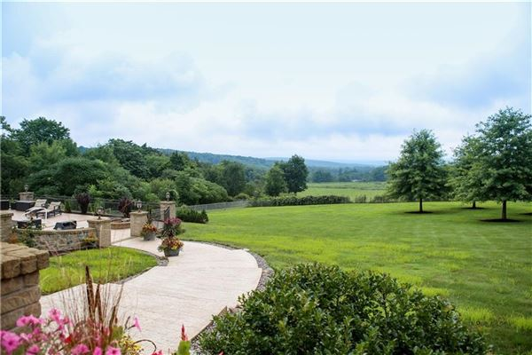 Luxury homes masterfully designed country estate on 50 acres