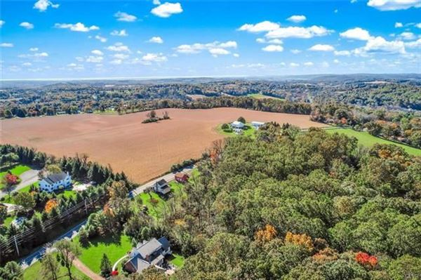 Luxury real estate prime real estate in lower milford township