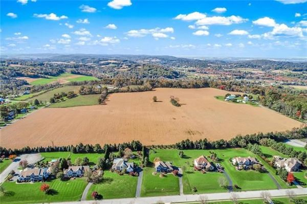 Luxury properties prime real estate in lower milford township